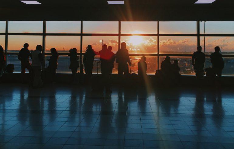 Koronavírus: ezek a járatok szünetelnek a járvány miatt